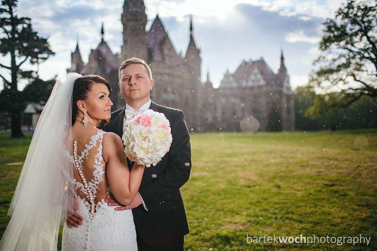 fotografia ślubna, ślub, wesele, slub, zabawa, wedding, party, 0193_WEB%28pp_w768_h511%29 Monika+Rafał i zamkowa sesja w deszczu